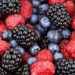 eat berries to prevent ulcerative colitis